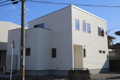 『共働き夫婦応援住宅』宅配ボックスのある家 宅配便を待たない住宅|大分市田尻 坂井建設