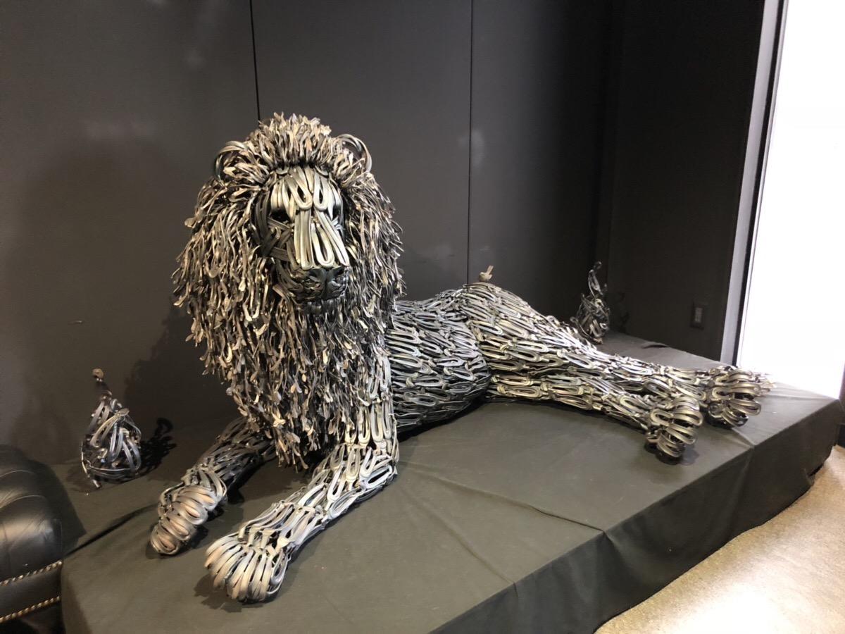 鉄のライオン|付加価値販売とブランド力|新潟の諏訪田製作所|工務店集客.COM